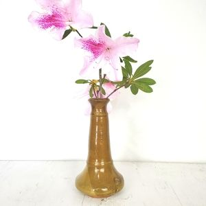 Clay pottery flower vase